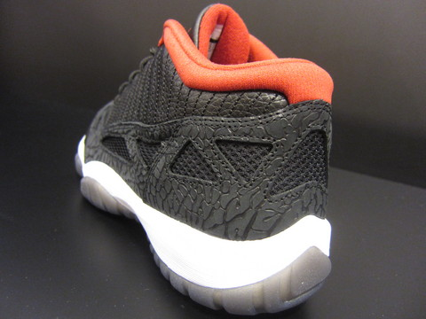 IMG_JORDAN11LOW.JPG