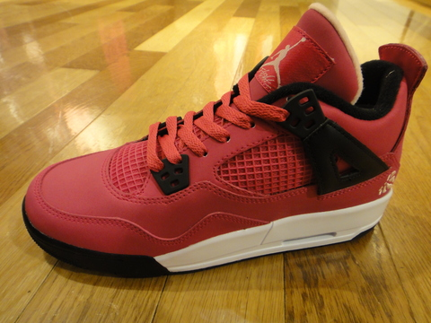 GIRLS AIR JORDAN 4 RETRO_01.JPG