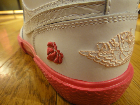 GIRLS AIR JORDAN RETRO V.1 GROWN_02.JPG