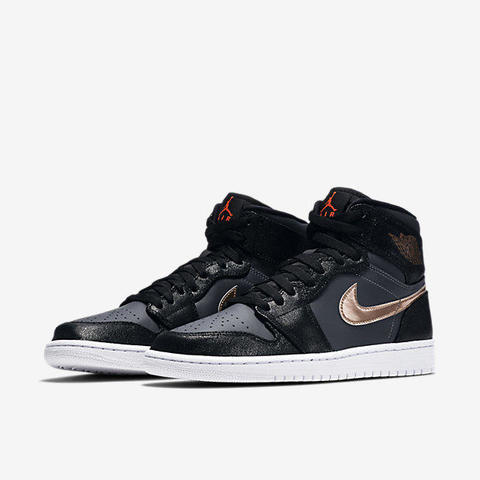 AIR-JORDAN-1-RETRO-HIGH-332550_016(1).jpg