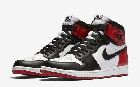 AIR-JORDAN-1-RETRO-HIGH-OG-BLACK-TOE-PAIR.jpg